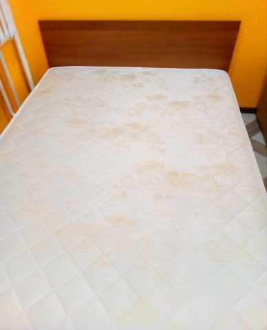 Продам Продам кровать с матрасом