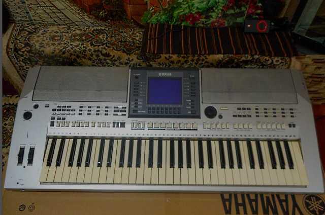Продам Рабочая станция Yamaha PSR-S 700(Б/У)