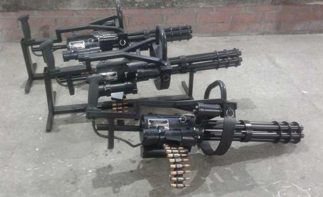Продам Продам Макет пулемета Миниган (Minigun).
