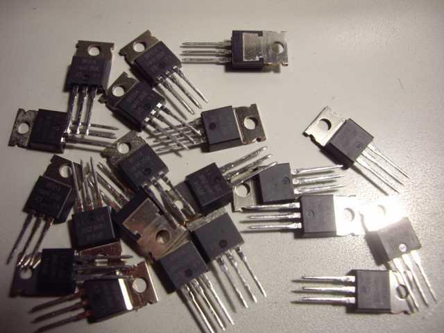 Продам: Транзистор : MOSFET IRF614