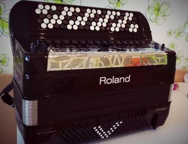Продам Баян Roland FR 8 Xb готово-выборный