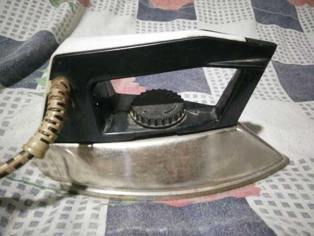 Продам: Утюг УТ-1000-1.2 (ГОСТ 307-8