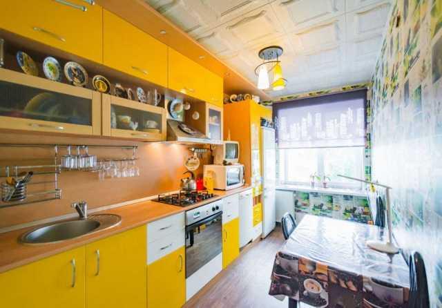 Продам Кухонный гарнитур д365,в240,г60 акрил.