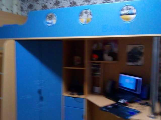 Продам: Кровать со шкафом и компьютерным столом