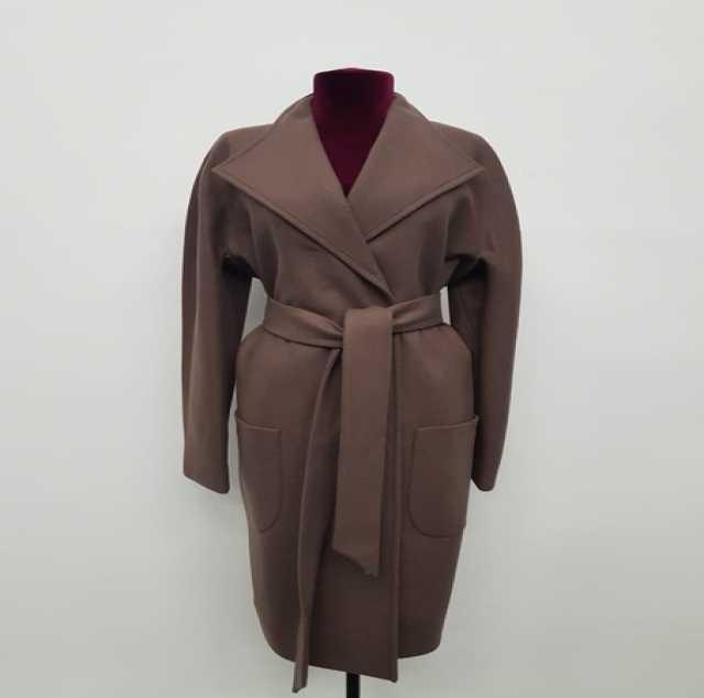 Продам пальто на осень