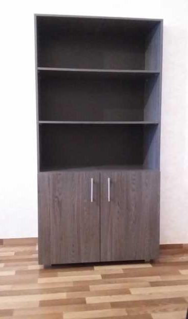 Продам шкаф-стеллаж, 2 стола, тумба, 5 стульев