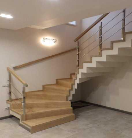 Продам Деревянные лестницы на заказ + монтаж