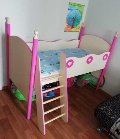 Продам: детскую кровать с матрасом