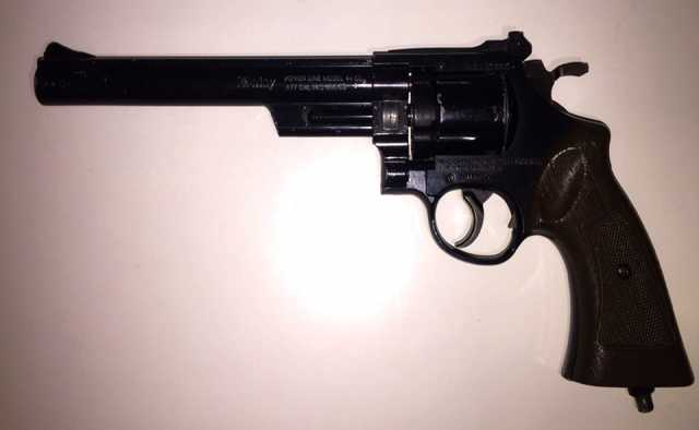 Продам Пневматический пистолет револьвер Daisy