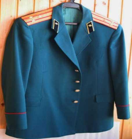 Продам Мундир (китель и брюки с красным кантом)
