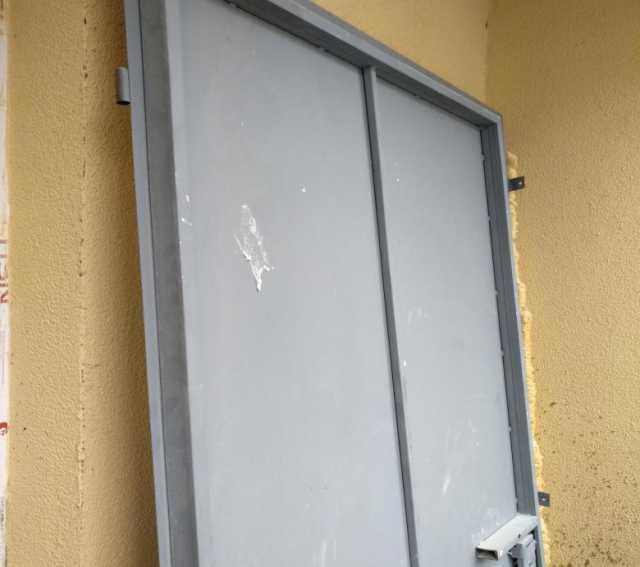 Куплю Вывоз и скупка металичических дверей