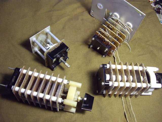 Продам: Переключатели 4 штуки для радиолюбителя