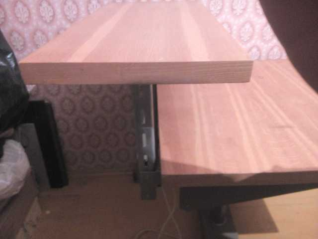 Продам Компьютерный стол с регулировкой высоты