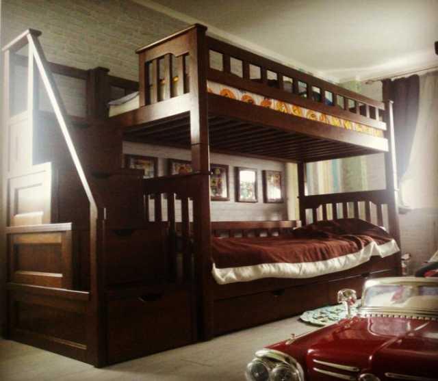Продам: Кровать двухъярусная из массива дуба