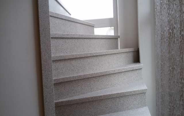 Продам Лестницу из искусственного камня
