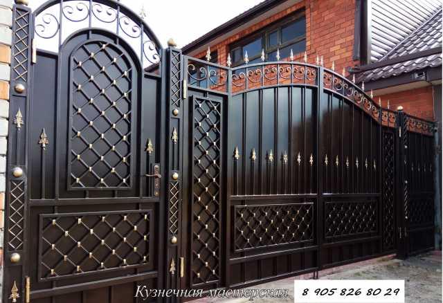 Продам ворота въездные кованые