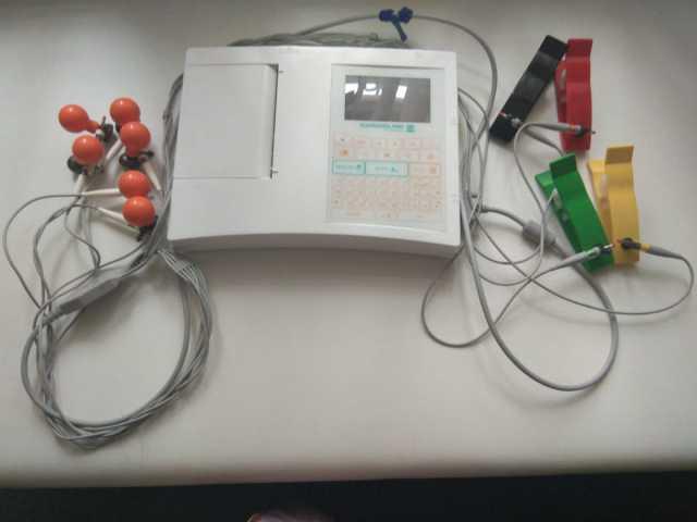 Продам Электрокардиограф Cardioline ar 1200