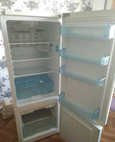 Продам 2-камерный холодильник