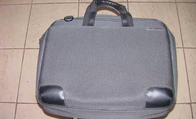 Продам Фирменная сумка ASUS, для ноутбука 15,6