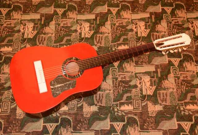 Продам Двенадцатиструнную гитару
