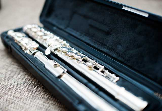 Продам флейта Yamaha YFL-212