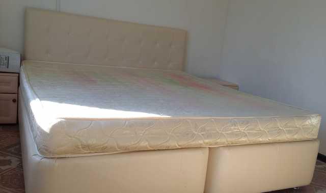 Продам: двухспальная кровать 180х200 см