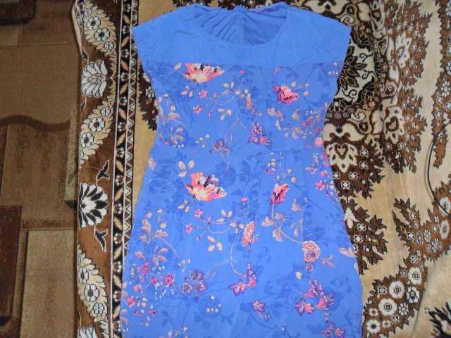 Продам Летнее платье на девочку р 42