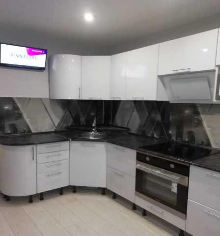 Продам: модульную кухню в Хабаровске