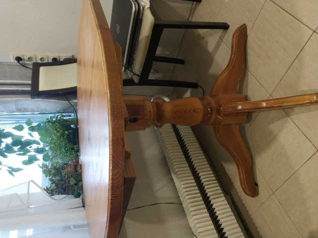 Продам Стол овал {длина} 95 см (+135) x 75 см
