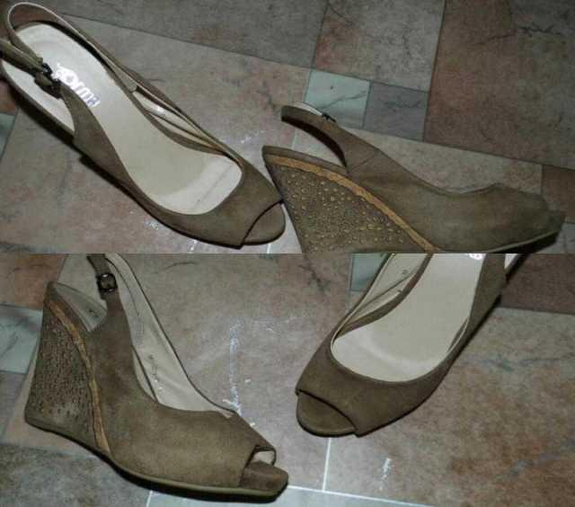 Продам Туфли (босоножки) на сплошном каблуке