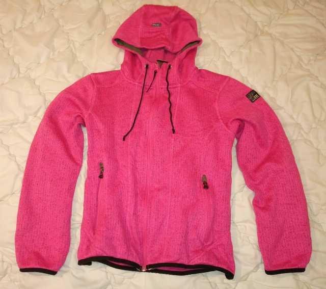 Продам: Куртка толстовка с капюшоном