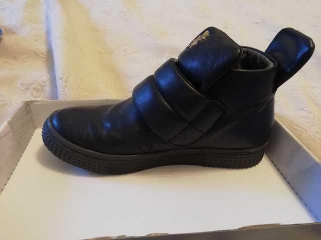 Продам Демисизонные ботиночки