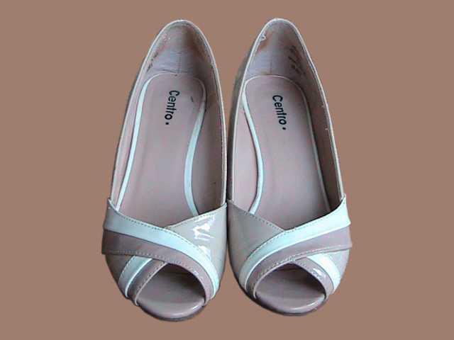 Продам туфли женские лакированные бежевые бу