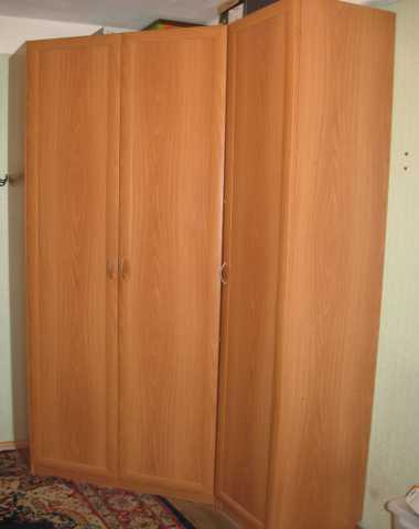 Продам Угловой шкаф для одежды