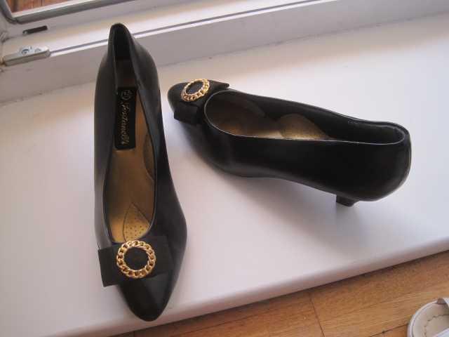 Продам новые чёрные женские туфли
