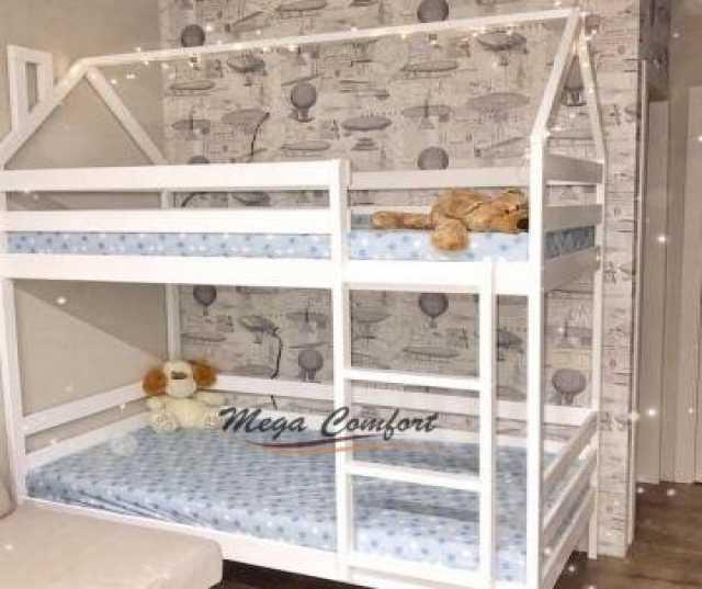 Продам Детская двухъярусная кровать из массива