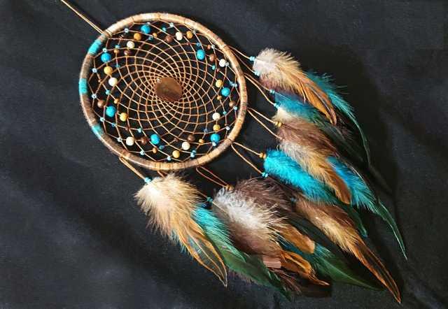 Продам Карамельно-бирюзовый ловец снов с перлам