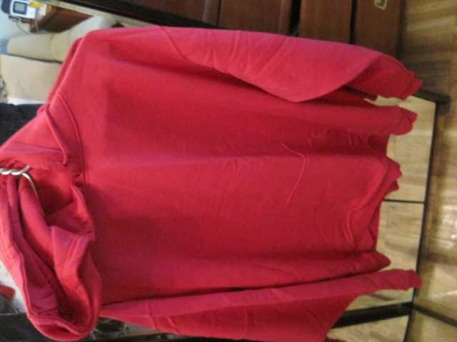 Продам Красная новая толстовка с капюшоном XXL