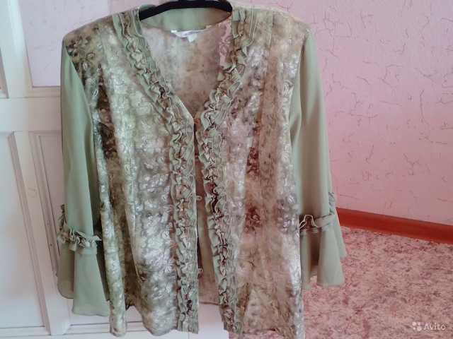 Продам Блузы 62-64 размера в отл сост
