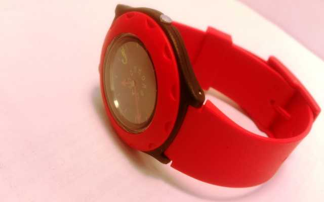 Продам: Оригинальные наручные часы «JOCOMOMOLA»