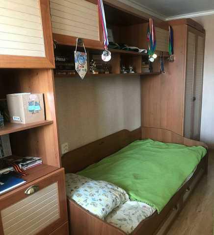 Продам Модульную стенку с кроватью