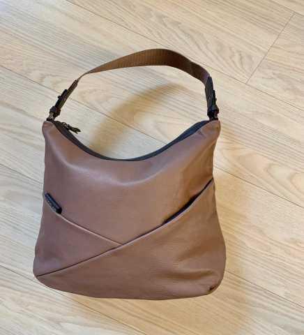 5830c6a4889b Сумки, рюкзаки, чемоданы ... в Красноярске: купить б/у и новые ...