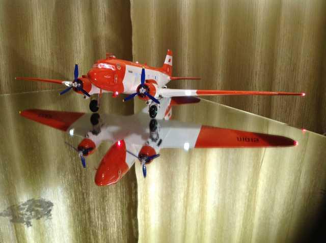 Продам Модель самолета Ли-2.1/48