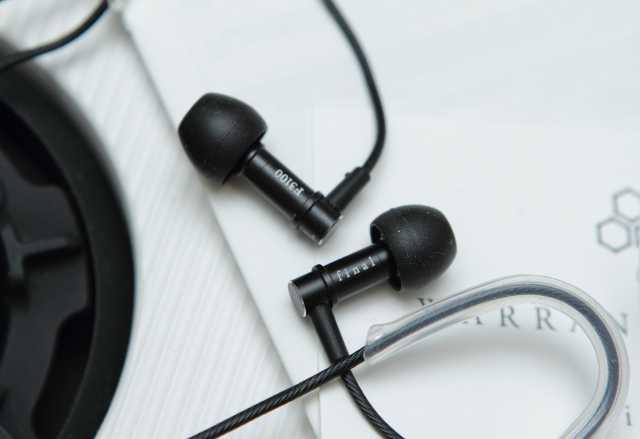 Продам Наушники Final Audio Design F3100