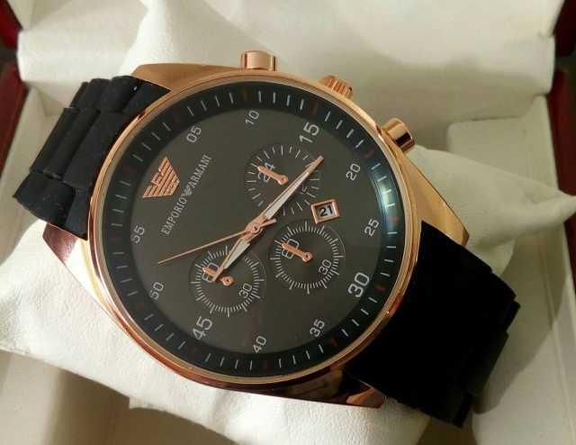 Продам часы Emporio Armani