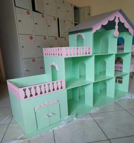 Продам Детский кукольный домик
