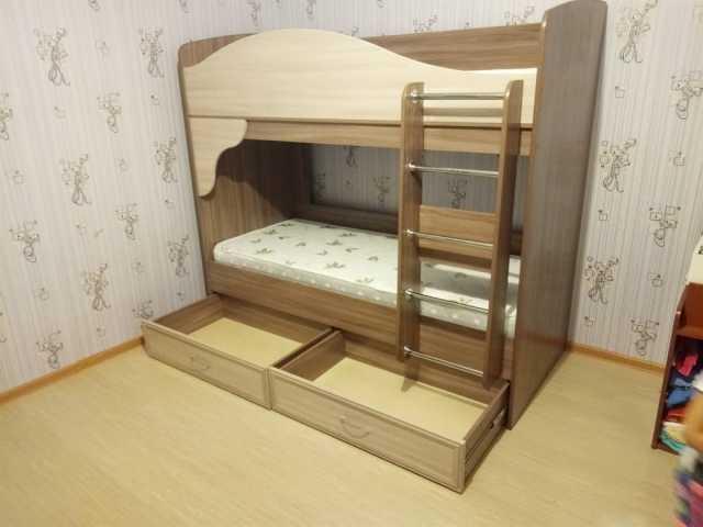Продам: кровать 2-х ярусную