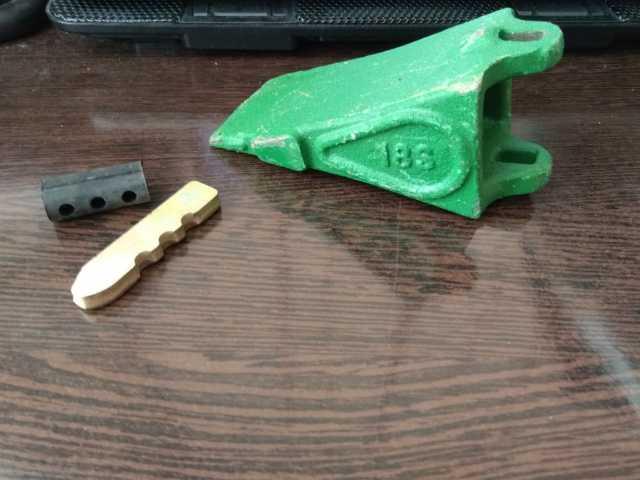 Продам: Коронка ковша мини экскаватора 18S