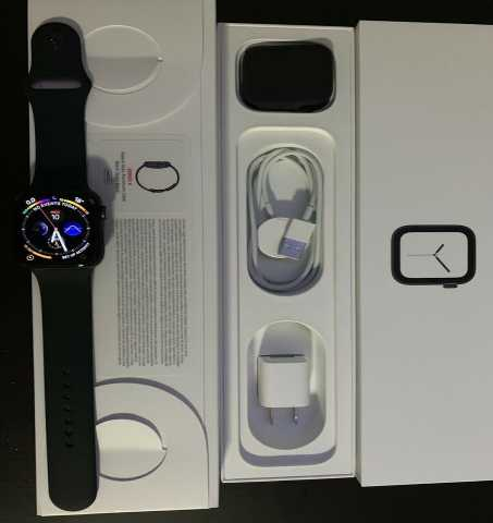 Продам: Apple Watch 4 series
