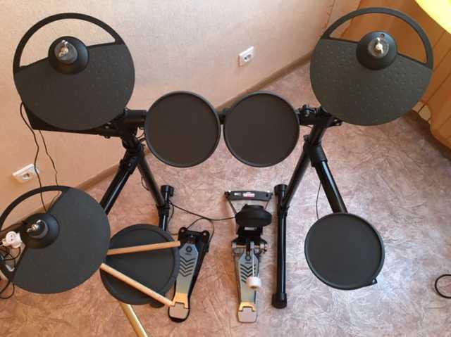 Продам Электронная ударная установка Yamaha DTX